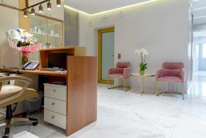 Αίθουσα αναμονής για τις θεραπείες προσώπου και σώματος στο κέντρο αισθητικής Medi B In Beauty στην Καβάλα