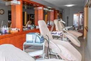 Αίθουσα για θεραπείες αισθητικής προσώπου στο κέντρο αισθητικής Medi B In Beauty στις Σέρρες