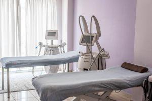 Μηχάνημα για λέιζερ αποτρίχωση στο κέντρο αισθητικής Medi Β In Beauty στην πόλη των Σερρών