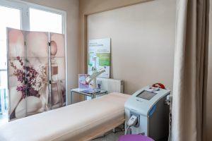 Αίθουσα για τις θεραπείες σύσφιξης σώματος στο κέντρο αισθητικής Medi B In Beauty στις Σέρρες
